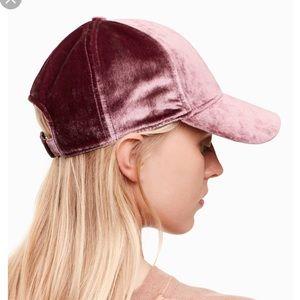cfd27693a0343 Wilfred Free Koella Hat Velvet Purple Cap Aritzia